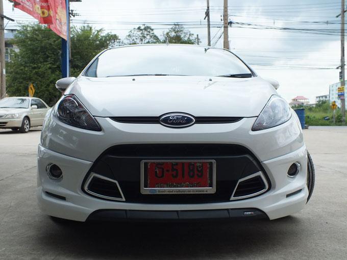 ชุดแต่ง Fiesta 4DR สีขาว เฟียนต้า 4 ประตู รูปที่ 1