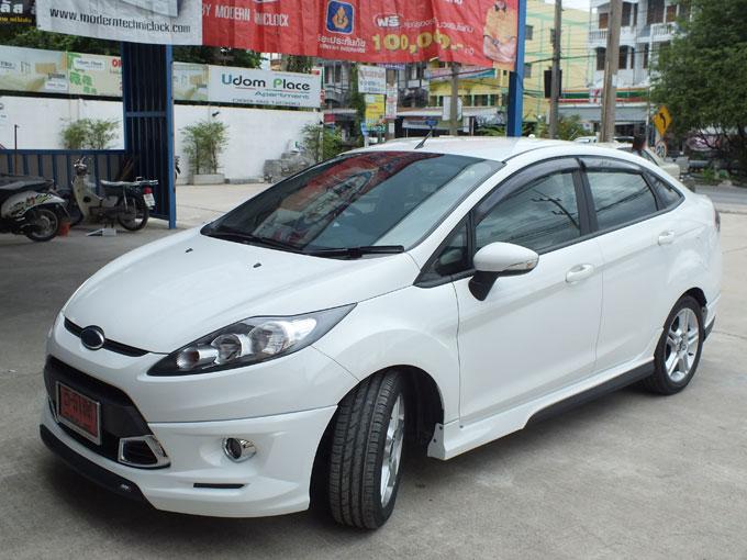 ชุดแต่ง Fiesta 4DR สีขาว เฟียนต้า 4 ประตู รูปที่ 6