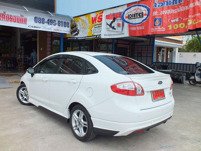 ชุดแต่ง Fiesta 4DR สีขาว เฟียนต้า 4 ประตู รูปที่ 8