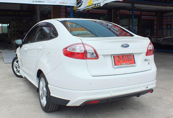 ชุดแต่ง Fiesta 4DR สีขาว เฟียนต้า 4 ประตู รูปที่ 9
