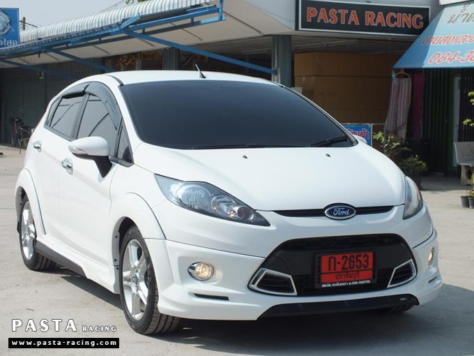 ชุดแต่ง สเกิร์ตเฟียสต้า Fiesta แต่งสวย 5dr 5 ประตู 2011 2012 2013 2014 rbs ideo v1 สีขาว คุณดิเรก รูป 3