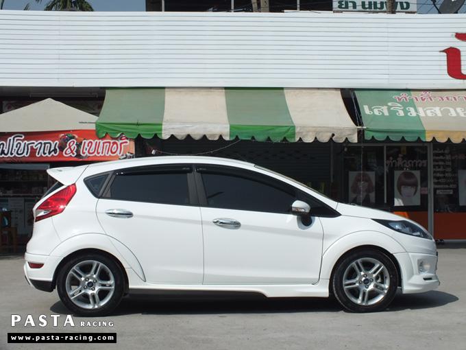 ชุดแต่ง สเกิร์ตเฟียสต้า Fiesta แต่งสวย 5dr 5 ประตู 2011 2012 2013 2014 rbs ideo v1 สีขาว คุณดิเรก รูป 4