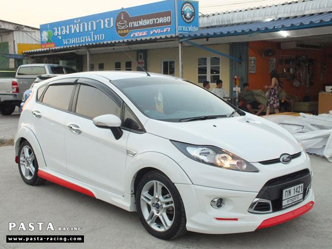 Red Devil ชุดแต่ง Fiesta 5DR TOP ขาว เฟียสต้า 5 ประตู ทำสีแบบพิเศษ คุณภัทร รูป 6