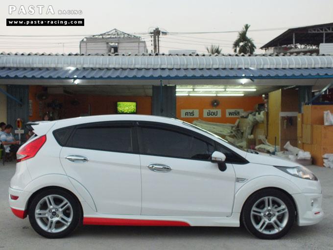 Red Devil ชุดแต่ง Fiesta 5DR TOP ขาว เฟียสต้า 5 ประตู ทำสีแบบพิเศษ คุณภัทร รูป 7