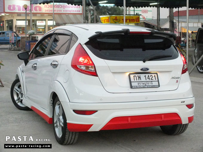 Red Devil ชุดแต่ง Fiesta 5DR TOP ขาว เฟียสต้า 5 ประตู ทำสีแบบพิเศษ คุณภัทร รูป 8