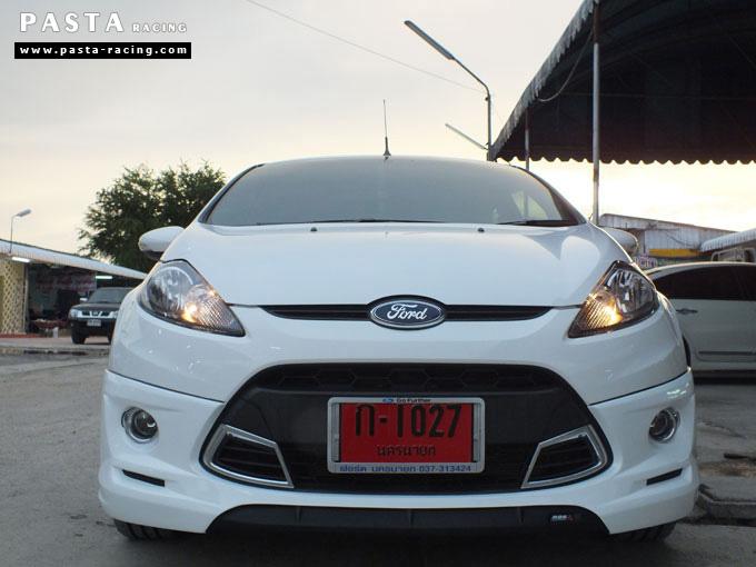 ชุดแต่ง Fiesta 5DR TOP สีขาว เฟียสต้า 5 ประตู คุณหนึ่ง รูป 1