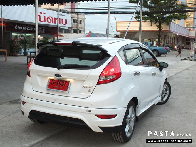 ชุดแต่ง Fiesta 5DR TOP สีขาว เฟียสต้า 5 ประตู คุณหนึ่ง รูป 6