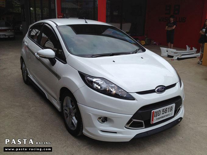 ชุดแต่ง Fiesta 5DR TOP สีขาว รูป 3