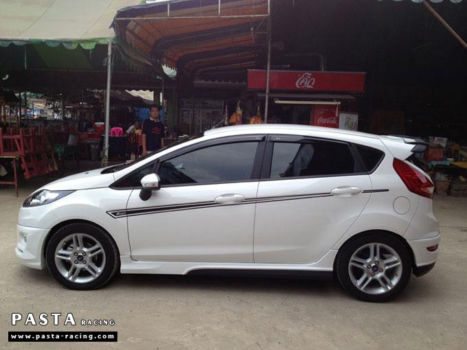 ชุดแต่ง Fiesta 5DR TOP สีขาว รูป 5