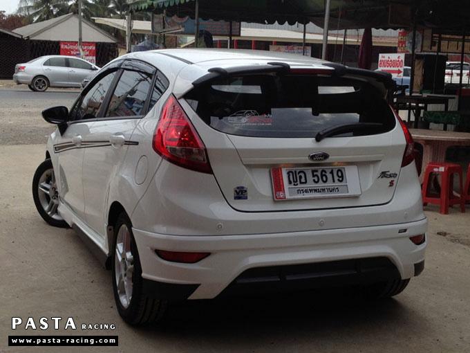 ชุดแต่ง Fiesta 5DR TOP สีขาว เฟียสต้า 5 ประตู รูป 6