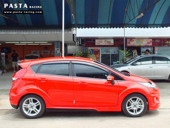 ชุดแต่ง Fiesta 5DR TOP สีแดง เฟียสต้า 5 ประตู วรรณ รูป 3
