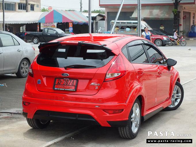 ชุดแต่ง Fiesta 5DR TOP สีแดง เฟียสต้า 5 ประตู วรรณ รูป 4