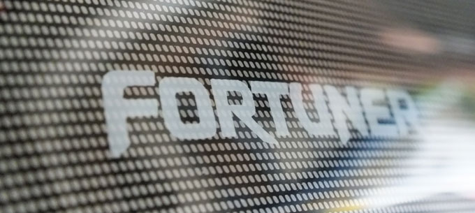 กันสาด Toyota Fortuner พร้อมโลโก้ Fiesta แบบพิเศษ 4 ชิ้น (ดำ + ตามสีรถ) รูปที่ 5